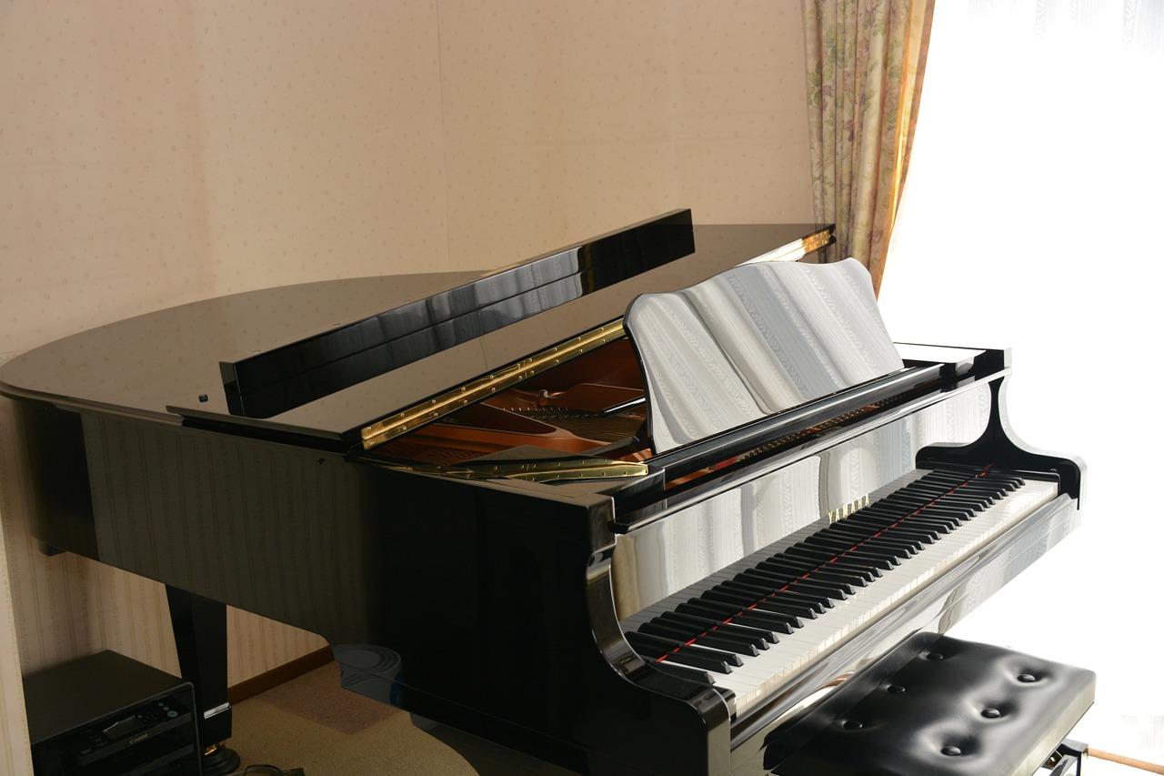 moving-a-grand-piano